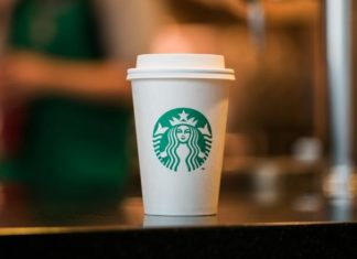 starbucks give free coffee do medical staff
